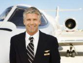 Сколько получают стюардессы и пилоты