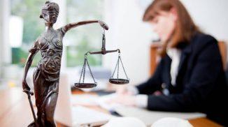 Сколько зарабатывает юрист