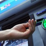 Снятие наличных в банкомате ВТБ 24