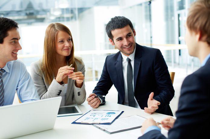 Бизнесмены на деловой встрече