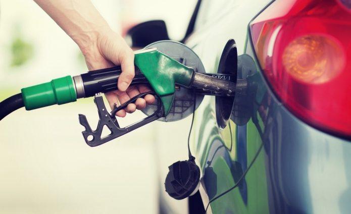 заправка бензином фото
