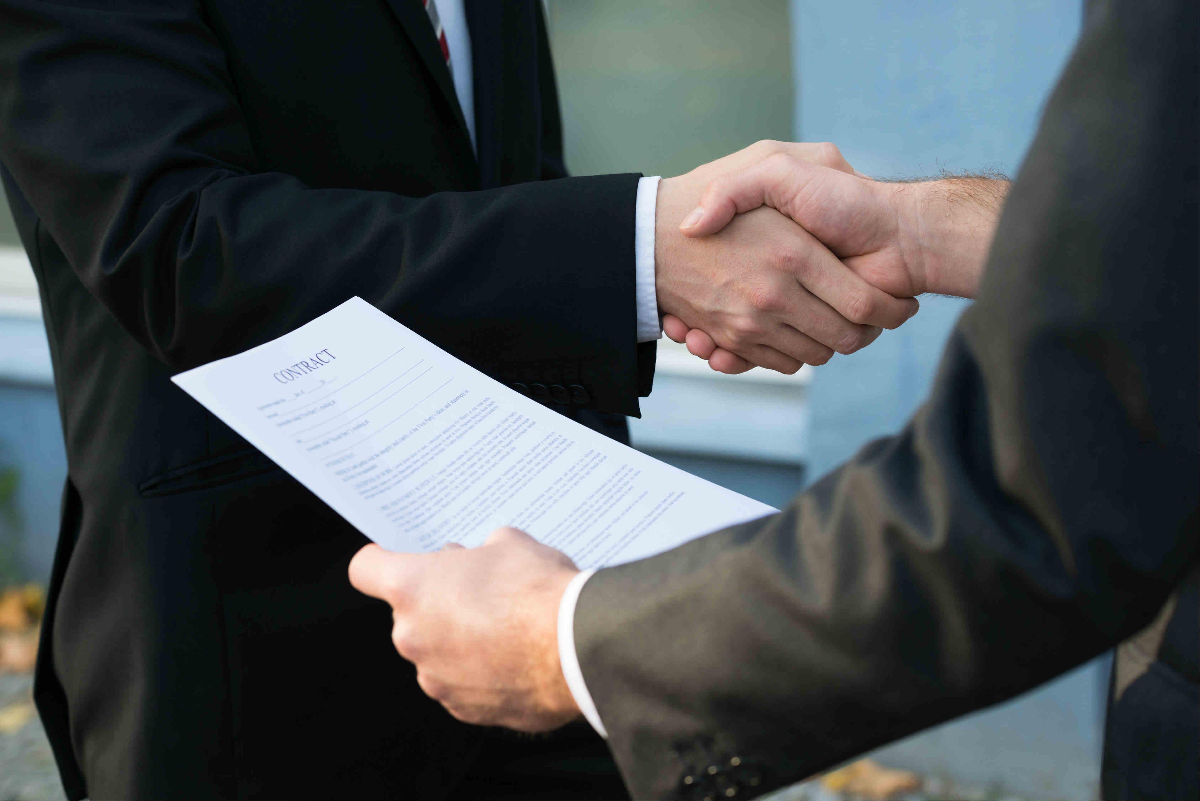 Услуги, предоставляемые юристами в отношении договоров поставки - Фото статьи